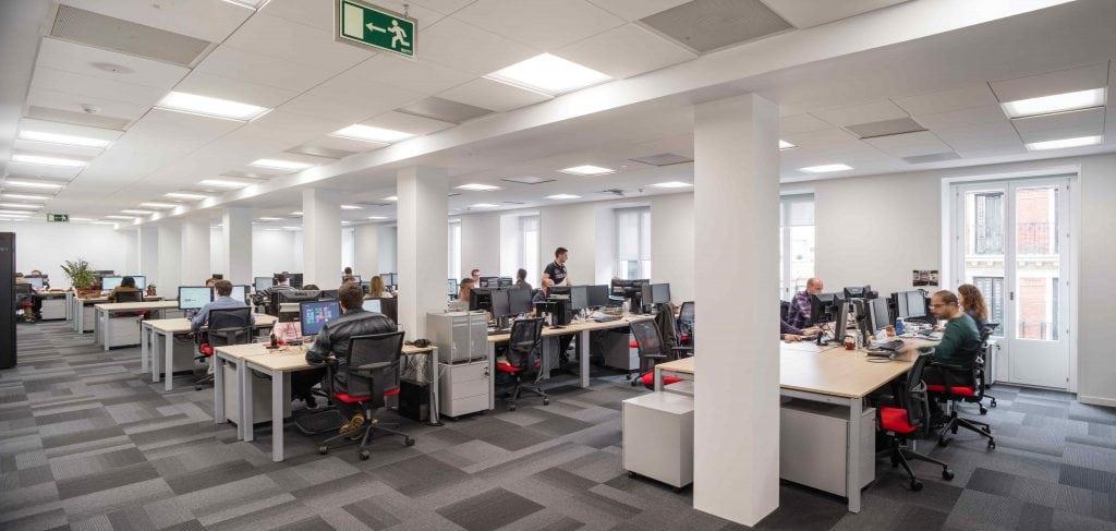 Ultima y optima el techo de los techos para oficinas for Catalana occidente oficinas