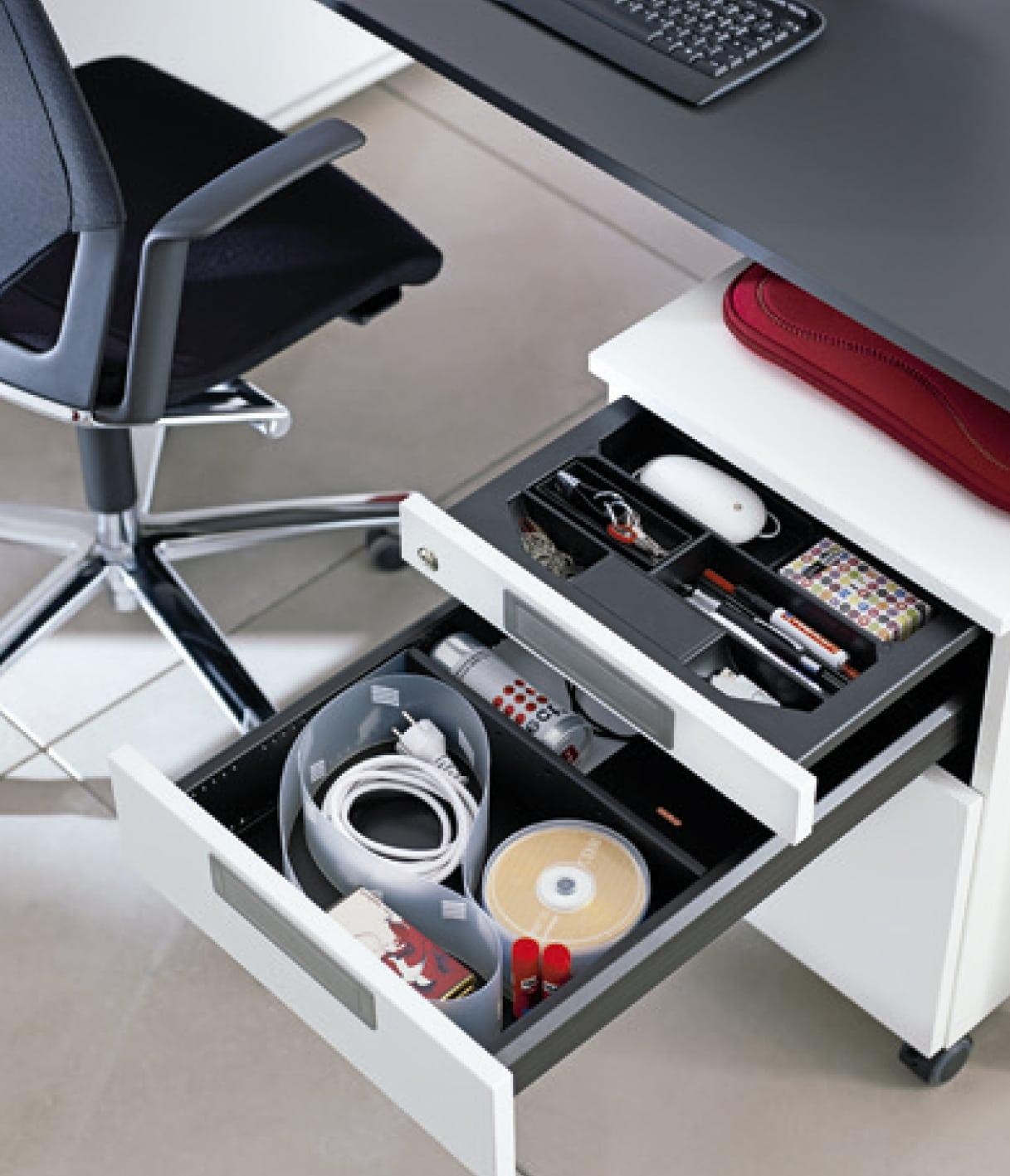 Muebles organizados con el Systema Top 2000 de Hettich