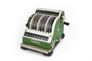 Calculadora-mecanica-Resulta-9_inventarioitembig calculadoras