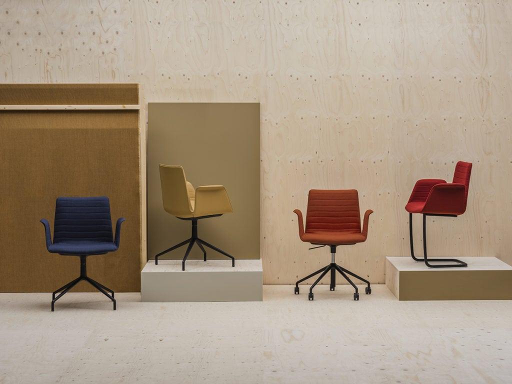 Andreu World Flex Armchair