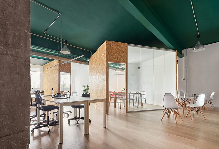 Oficinas AguaKmZero en Poble Nou, Barcelona, de Estudio COA