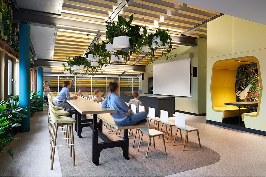 Agencia Roman Klis en Herrenberg, de Ippolito Fleitz Group