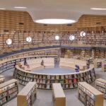 Biblioteca teatro de Open en una escuela internacional de Shanghai