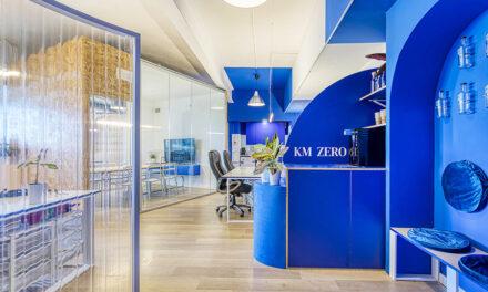 Diseño de oficinas Agua KMZero en Barcelona de Insayn Design