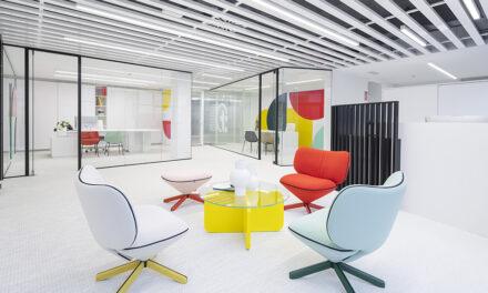 Oficina en el edificio workcenter de A Coruña, de Alejandra Quintans