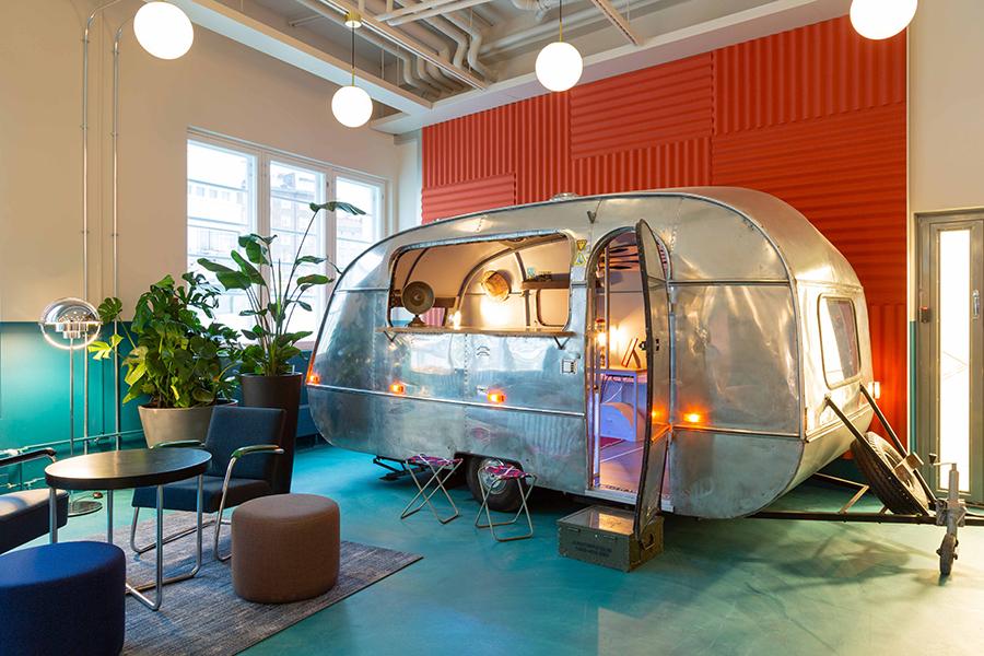 Mint & More Creative diseña el nuevo coworking de la finlandesa MOW